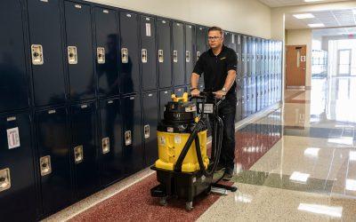 AutoVac Stretch – School Hallway with Lockers – 6266