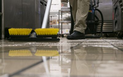 Dispense-and-Vac  – Vacuuming – View at Floor Level