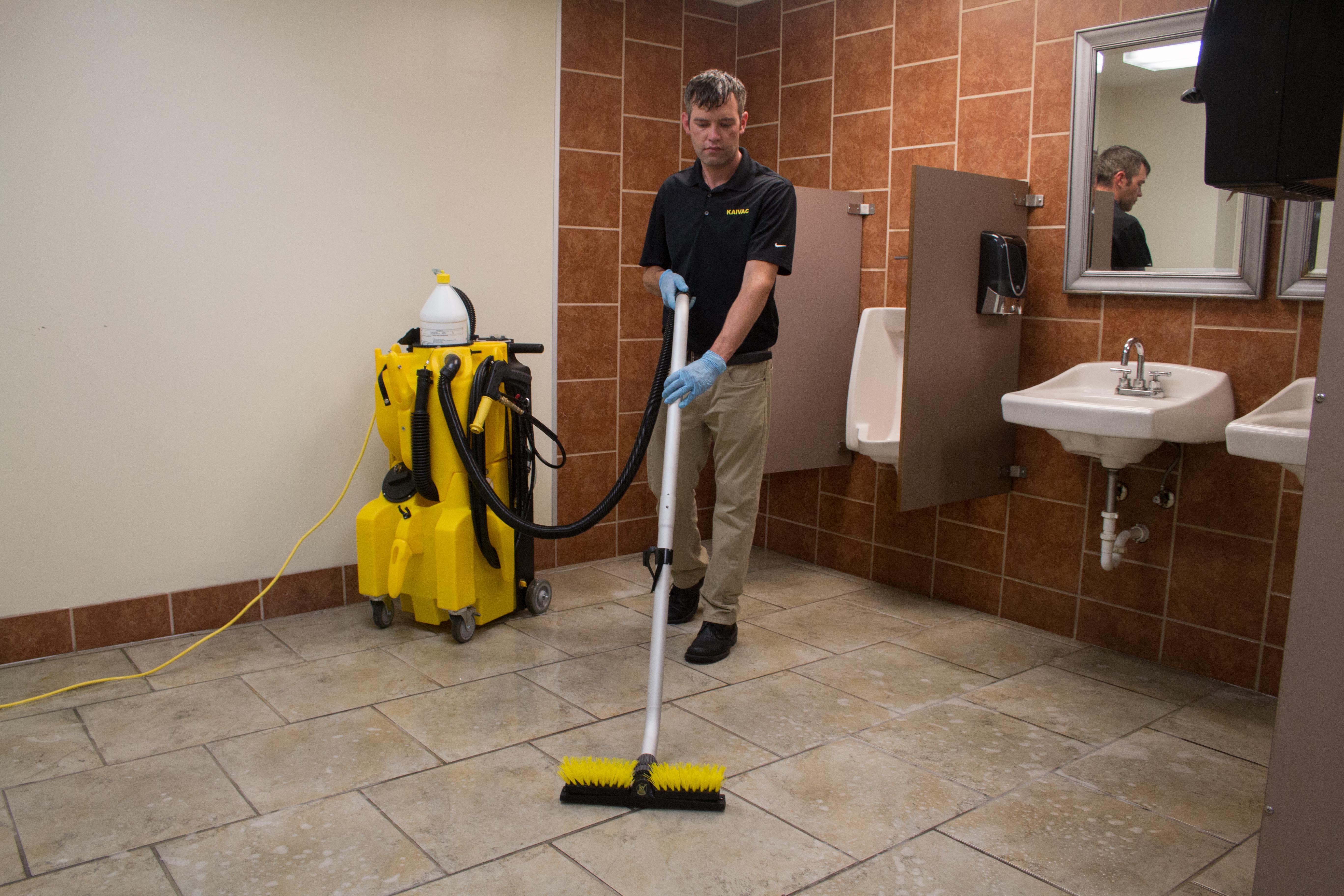 NTC 1250 Restroom Floor Cleaning