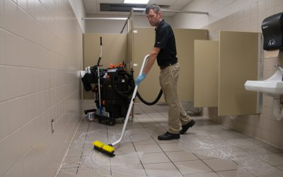 SUV – School Restroom Floor Vacuuming 5037